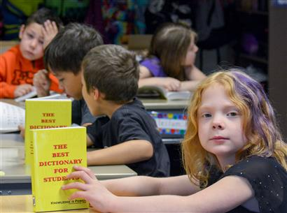MEADOW LAKES 3RD GRADERS RECEIVE DICTIONARIES